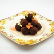 Chocolate-Truffles-with-Golden-Ruby-Grapefruit-Flavour-Pearls