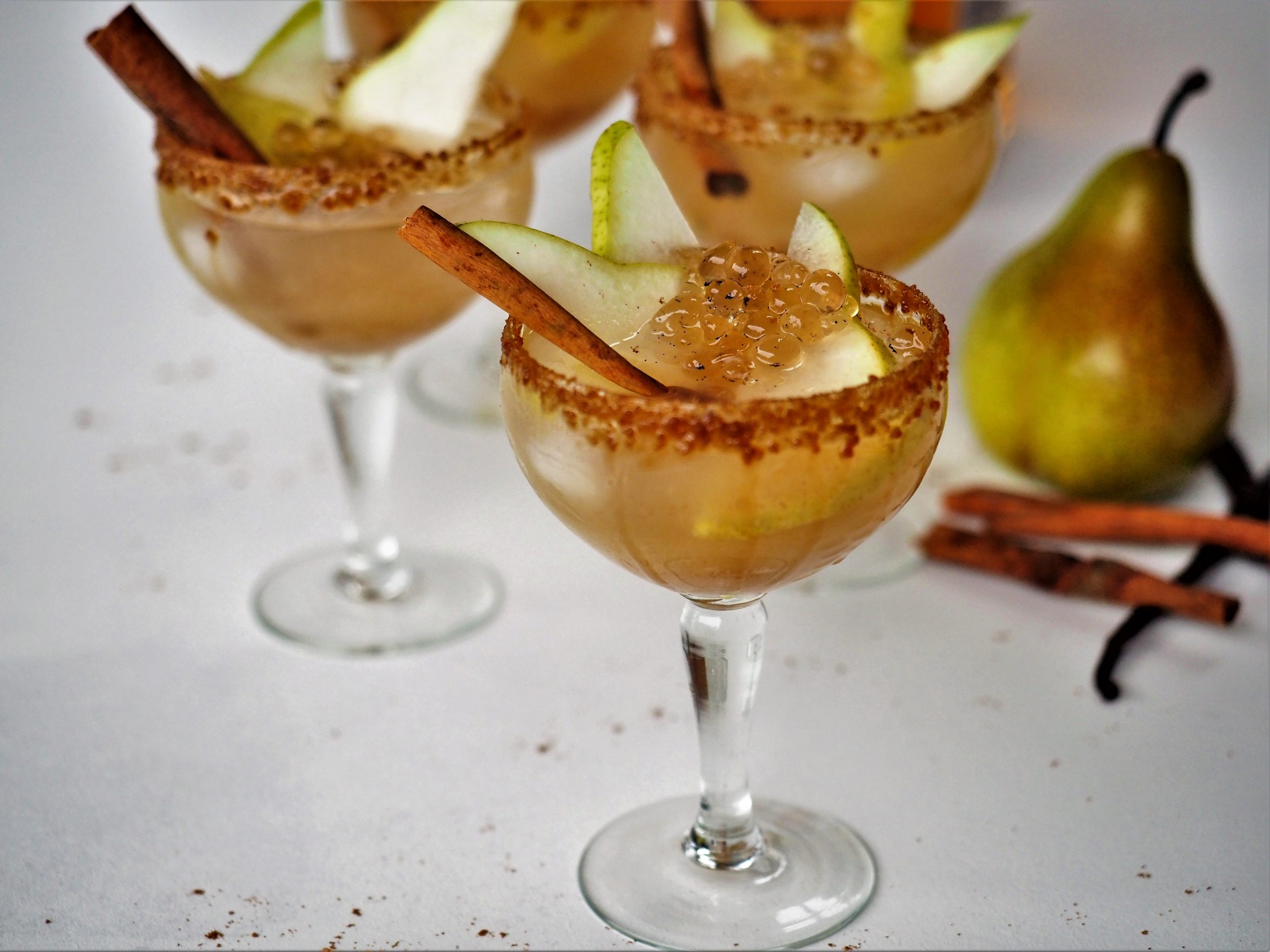 Sparkling Spiced Pear Cocktails with Vanilla Bean Flavour Pearls